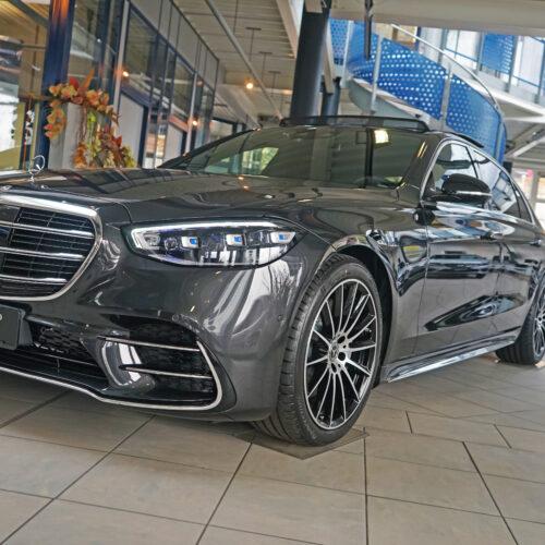Mercedes Benz Schauraum